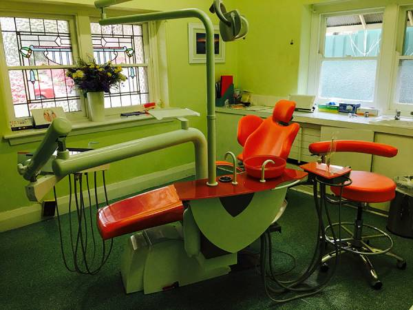 Dental Surgery  » Click to zoom ->